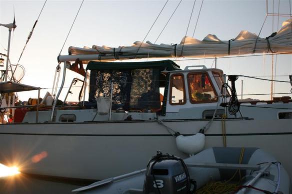 Curtsy at anchor.
