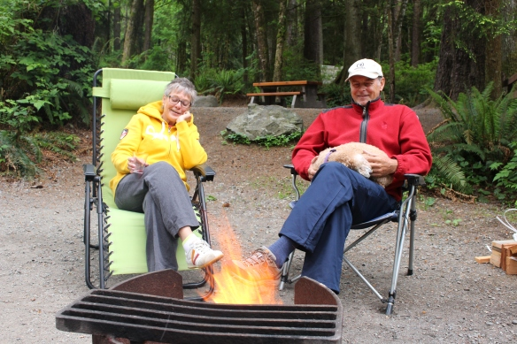 Roel and Ineke, enjoying the camp fire
