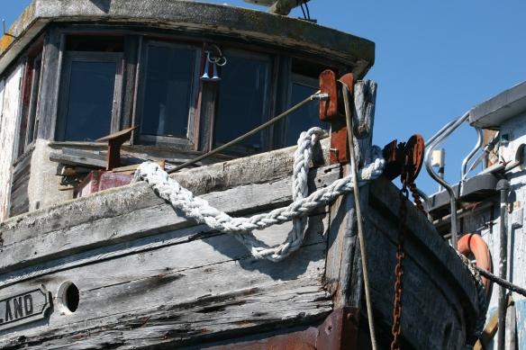 the bow of LULU ISLAND>
