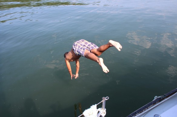 Ty's super diving style.